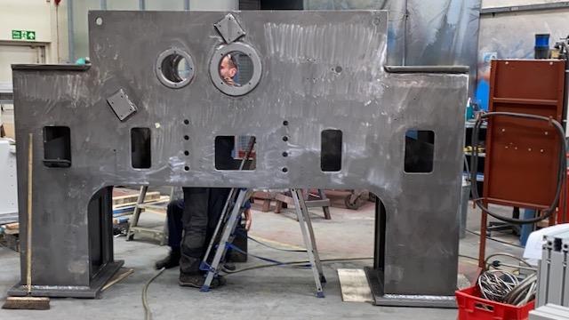 Fabricación de prensa de hoja entera